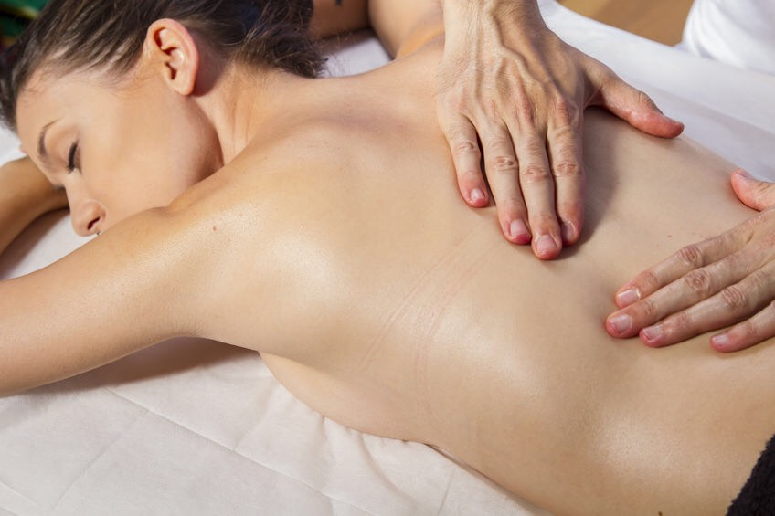 Massage pieds dos et tête